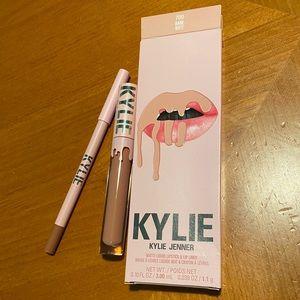Kylie Velvet Liquid Lipstick & Lip Liner Set 👄